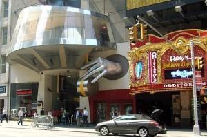 Оддиториум Ripley's Believe It or Not! и музей Мадам Тюссо - две новые достопримечательности Times Square.
