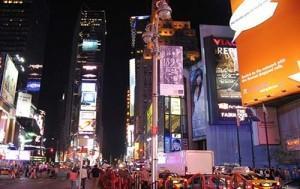 В Нью-Йорке можно найти более 300 отелей, гостиниц, хостелов или других мест временного проживания.