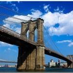 Знаменитый Бруклинский мост находится именно в этом районе Нью-Йорка