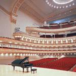 Сцена и балконы в Крнеги-Холл