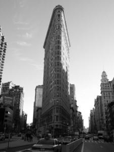 Чёрно-белое фото Флэтайрон билдинг